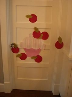 Pin the cherry on the cupcake game!