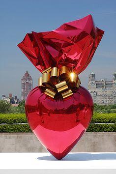 art & exhibits & installations - Sacred Heart - Jeff Koons So lovely. Contemporary Sculpture, Contemporary Art, Modern Art, Kitsch, Jeff Koons Art, Street Photography, Art Photography, Graffiti, Land Art