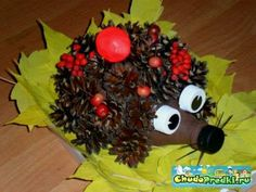 Creative Ideas added a new photo. Pinecone Crafts Kids, Pine Cone Crafts, Autumn Crafts, Kids Christmas, Christmas Crafts, Diy For Kids, Crafts For Kids, Kids Decor, Kids And Parenting