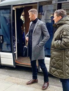 Style Casual, Men Casual, Mantel Outfit, David Beckham Style, Cowgirl Style Outfits, Gentleman Style, Stylish Men, Mens Fashion, Blue Jean Outfits