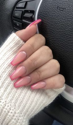 Uploaded by Mar e Find images and videos about girl pink and nails on We Heart It - the app to get lost in what you love Silver Acrylic Nails, Acrylic Nails Coffin Short, Simple Acrylic Nails, Best Acrylic Nails, Coffin Nails, Aycrlic Nails, Swag Nails, Hair And Nails, Grunge Nails