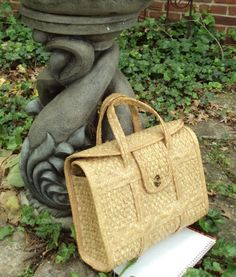 sweet vintage woven straw bag