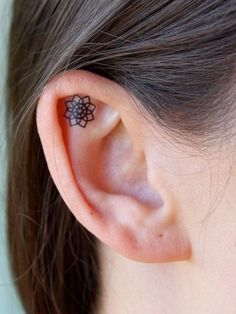 23 Tiny Ear Tattoos That Are Better Than Piercings - Cosmopolitan.com