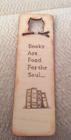 Pyro bookmark Creative Bookmarks, Cute Bookmarks, Bookmark Craft, Bookmarks Quotes, Wood Burning Tips, Wood Burning Crafts, Wood Burning Patterns, Book Crafts, Paper Crafts