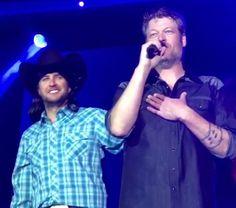 """Blake Shelton And Luke Bryan Get Spicy Singing """"Tight Fittin' Jeans"""""""