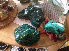 as a #guide offering #lifecoaching I also have #quelindaboutique to support and provide #tools for your journey.      Todays #spotlight is #Malachite #stones.  Te stone of #Transformation. Assisting you to be comfortable in changing situations.  Powerful in aiding with interpretation and transfer of information that leads to #Spiritual #Evolution.  A stone of #balance in relationships.   here at #quelindaboutique in #lacrescenta