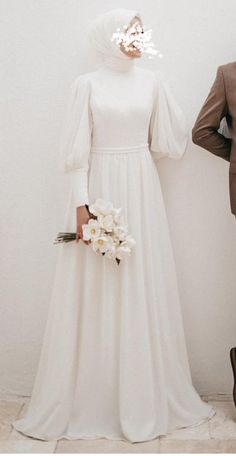 Modest Wedding Dresses With Sleeves, Simple Wedding Gowns, Simple Gowns, Bridesmaid Dresses, Muslim Wedding Gown, Muslimah Wedding Dress, Nikkah Dress, Mode Hijab, Muslim Fashion