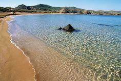 Playa de Cavalleria, Menorca - BALEARIC ISLANDS (SPAIN): es una preciosa playa de arena dorada en el municipio de Es Mercadal. Es un lugar altamente recomendable a pesar de ser muy frecuentado. Tiene un colorido espectacular: rocas rojizas, arena dorada y agua cristalina. Bajo el mismo nombre se engloba: Platja de Cavalleria y Platja de Ferragut, que es el último tramo de playa separada por una hilera de rocas en el mar. Éste último tramo de playa es el más frecuentado por nudistas.