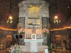 Assisi, Italy: Altar & Tomb of St Francis