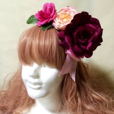 サイドにピンクのサテンリボンにローズの造花を3つ付けた華やかなカチューシャです。盛りヘアにもピッタリです!7/14から8/31までHPでサマーセール開催中です... ハンドメイド、手作り、手仕事品の通販・販売・購入ならCreema。