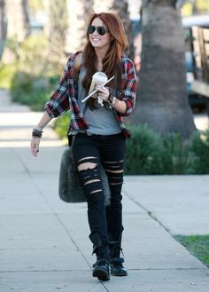 Miley Cyrus Photo - Miley Cyrus Heading To A Recording Studio In Santa Monica
