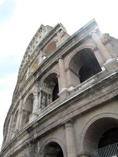 Roman colloseum from side