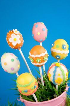 Kid's Party Food Easter Cake Pops Easter Eggs www.spaceshipsandlaserbeams.com cake pops easter, easter cake, easter eggs, food easter, parti food, cakepop, kid parties