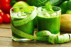 6 nejlepších detox drinků plných vody k očistě jater a hubnutí