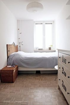 white bedroom scandinavian style from: http://fotostwory.blogspot.com/