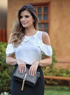 blusa top y volantes Fashion 2017, Fashion Outfits, Fashion Tips, Fashion Trends, Cute Blouses, Western Wear, Corsage, Cute Tops, Refashion