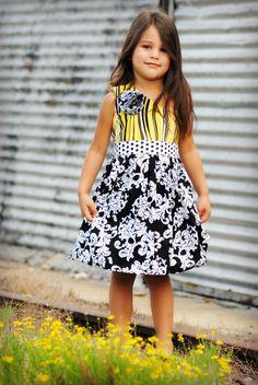 Beautiful dress, love the colors! Easy Sundress Pattern Sewing Pattern PDF INSTANT by ThreadCouture, $6.99