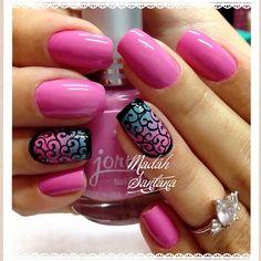 I really like the ring finger design   by madahsantana #nails #nailart #naildesigns