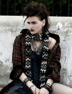 Katlin Aas by Paul Empson for Black Magazine Fall 2013 6 / grunge punk rock Grunge Fashion, Gothic Fashion, 90s Fashion, Fashion News, Fashion Outfits, Look Rock, Teddy Boy Style, Pretty Punk, Moda Country