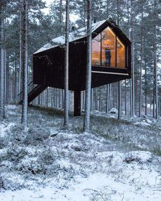 Cabins In The Woods, Winter Christmas, House Styles, Feb 13, Exterior, Nooks, Magazine Design, Celebration, Instagram
