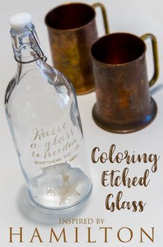 Coloring etched glass - Your Silhouette, some etching cream, and a tube of Rub n Buff is all you need to make this colored etched glass. via bottle crafts vinyl Adding color to etched glass Glass Bottle Crafts, Glass Bottles, Wine Bottles, Bottle Art, Rub N Buff, Gravure Laser, Foto Transfer, Glass Engraving, Engraving Ideas