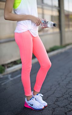 Pink workout pants for Breast #Cancer Awareness Month http://rstyle.me/n/rawhn4ni6