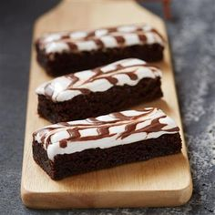 Brownies are always one of the best ideas for dessert, our recipe for Brownie Marshmallow Swirl is easy to make and taste delicious.
