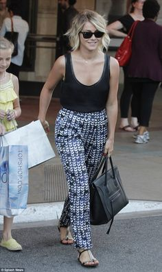 Julianne Hough casual style, love it