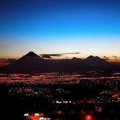 Un bello amanecer en la Ciudad de Guatemala