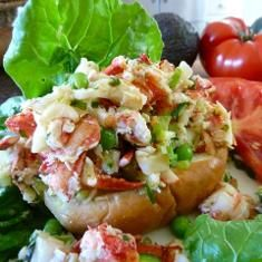 Skinny Lobster Salad And Light Lobster Rolls (via www.foodily.com/r/6WMHZ8AVi)
