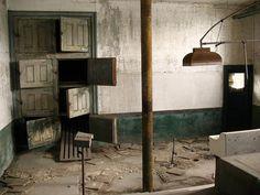Ellis Island Morgue, New York - so close but so far