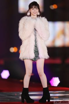 Shaggy, Fashion Boots, Asian Girl, Fur Coat, Poses, My Favorite Things, Sexy, Cute, Dresses