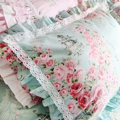 Victorian Blue Ruffle Shabby Chic Rose Floral Lace Cotton Duvet Cover Design your dream bedroom with the beautiful blue duvet cover set. Color: blue, not aqua blue. Luxury Duvet Covers, Luxury Bedding Sets, Sewing Pillows, Diy Pillows, Blue Duvet, Shabby Chic Pillows, Cotton Duvet, Queen Duvet, Linen Bedding