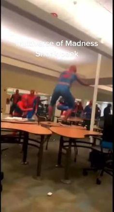 Marvel Avengers Movies, Marvel Films, Marvel Characters, Marvel Dc, Spiderman Meme, Spiderman Pictures, Funny Marvel Memes, Marvel Jokes, Funny Memes
