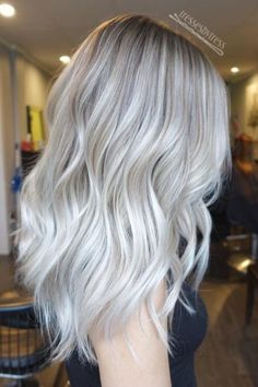 The New Platinum Blonde Is Here–And It's The Only Hair Inspiration You'll Need This Spring Blonde hair models – Hair Models-Hair Styles Platinum Blonde Balayage, Platinum Blonde Hair Color, White Blonde Hair, Blonde Hair Looks, Icy Blonde, Balayage Hair, Silver Platinum Hair, Platinum Blonde With Highlights, Platnium Blonde Hair
