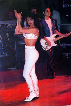 Loved her in White pants . Selena