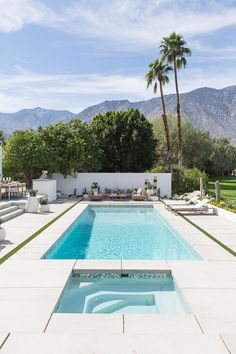 Mid-Century Palm Springs Show House — Kay Genua Designs Small Inground Pool, Swimming Pools Backyard, Swimming Pool Designs, Palm Springs Häuser, Palm Springs Style, Modern Landscaping, Pool Landscaping, Pool Pavers, Landscape Plans