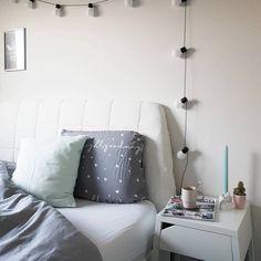 Goede morgen! 😊 Nieuwe dag, nieuwe start 👊 Maar eerst koffie... #plukdedag 🍀 #goedemorgen #witwonen #interior #bedroom #ikea #hema #slaapkamer #slapen #lakens #interieur #decoreren #uitbed