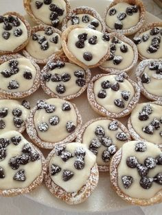 Bite Sized Cannoli Cups | Community Post: Food Porn on Pinterest