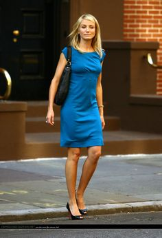Love this dress on Cameron Diaz - simple but effective. New York Fashion, Runway Fashion, Cameron Diaz Style, San Diego, Divas, Christian Louboutin, John Malkovich, Cooler Look, Trendy Outfits
