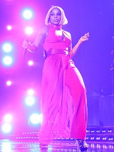 Star Tracks: Monday, July 6, 2015 | FESTIVAL FIERCE | Meanwhile, Mary J. Blige takes the Essence Festival stage on Sunday.