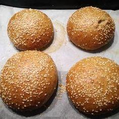 Bread Recipes, Vegan Recipes, Crossfit Diet, How To Make Bread, Diy Food, Baked Goods, Hamburger, Sandwiches, Bakery