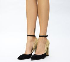 Pantofi aurii cu toc gros cu sclipici Salvatore Ferragamo, Cape, Shoes, Fashion, Sandals, Mantle, Moda, Cabo, Zapatos