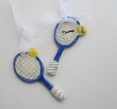 A glorious handcrafted tennis racket ornament! If your Dad is crazy about tennis, this would make such a lovely DIY Father's Day present. You could try to make it out of polymer clay. We have a wide range of clays at www.craftmill.co.uk y