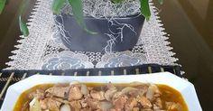 Fabulosa receta para Carne de cerdo con chile del molcajete. Se me antojó este guiso.  Siempre tengo en el congelador bolsitas de esta salsa (ver receta)....