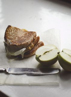 Apple and goat cheese grilled toast