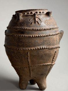 xx..tracy porter..poetic wanderlust.....Africa | Vessel for storing grain. Bamileke - Cameroon