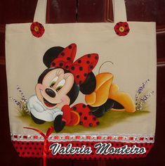 Artes Val Monteiro Tole Painting, Fabric Painting, Painted Hats, Hand Painted, Pintar Disney, Emoji Coloring Pages, Tote Bags Handmade, Tatty Teddy, Patchwork Bags