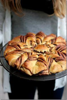 Nutelle brioche Apple Pie, Bread, Desserts, Food, Brioche, Tailgate Desserts, Deserts, Brot, Essen