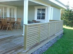 Täta ribbor Deck Railing Design, Deck Railings, Terrace Decor, Stock Tank Pool, Green Color Schemes, Backyard, Patio, Garden Inspiration, Pergola